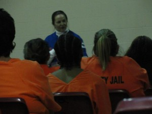 Jan speaking with the women inmates